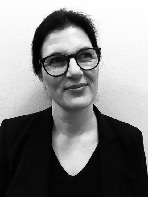 Dr. Iris Pinnow